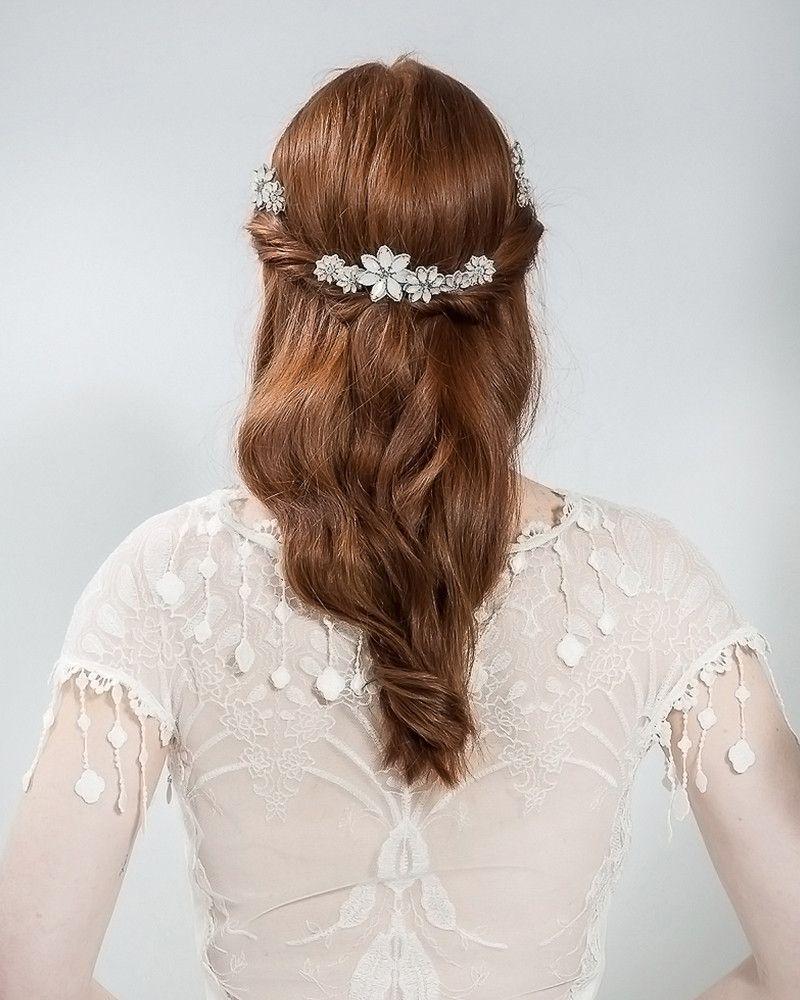 opal daisy pins | weddinggown and bridal veil | wedding