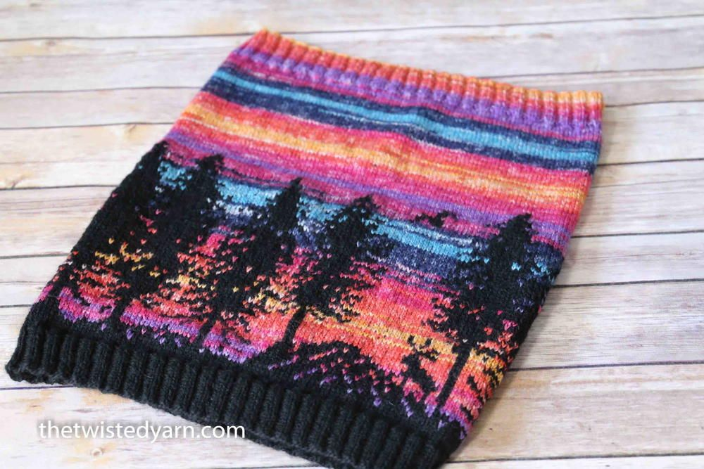 Hiking Reindeer Cowl   Fair isle knitting patterns ...