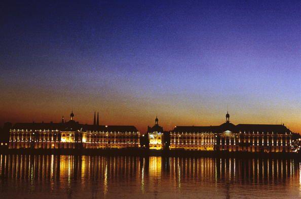 Bordeaux port de la lune le centre historique de cette - Port autonome du centre et de l ouest ...