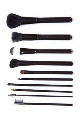 25 crown brush is 5075 off on hautelook full sets