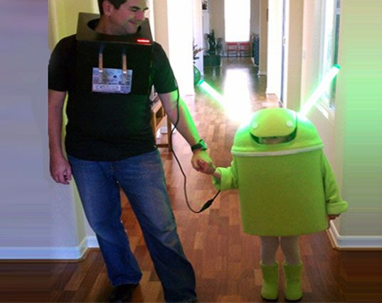Adorable Android and Charger DIY Halloween Costume Lights Up! | Inhabitots