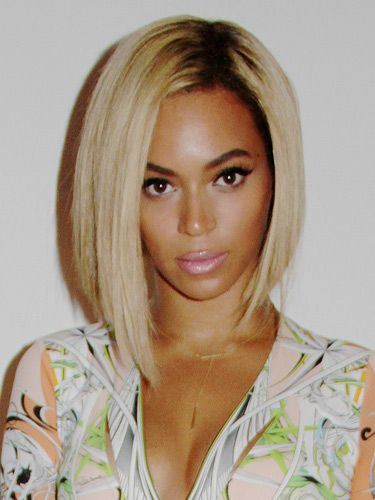 Beyonce Shows Off Her New Hairstyle Hair Styles Human Hair Lace Wigs Short Hair Styles