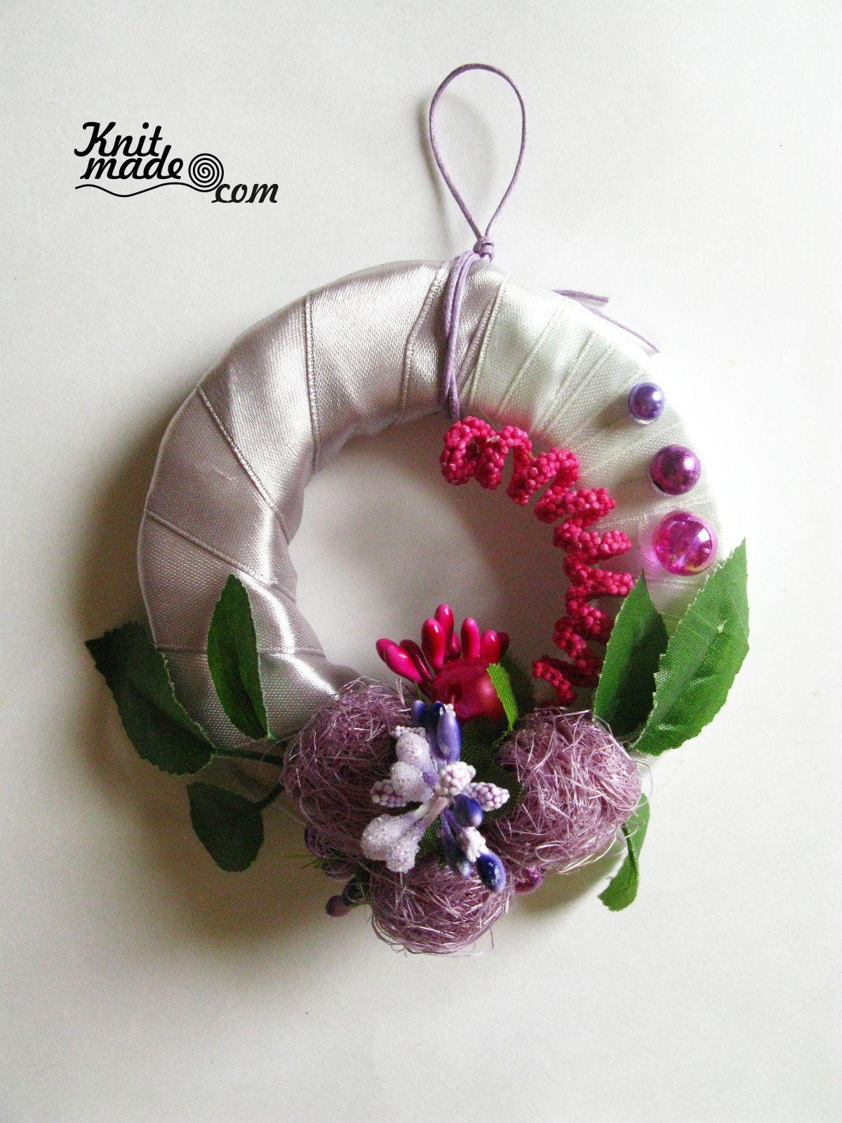 My florist work - Mini wreath from tapes  and decor  #knitmade #knitmadeflowers #knitmadenews #wreath #newyear #christmas
