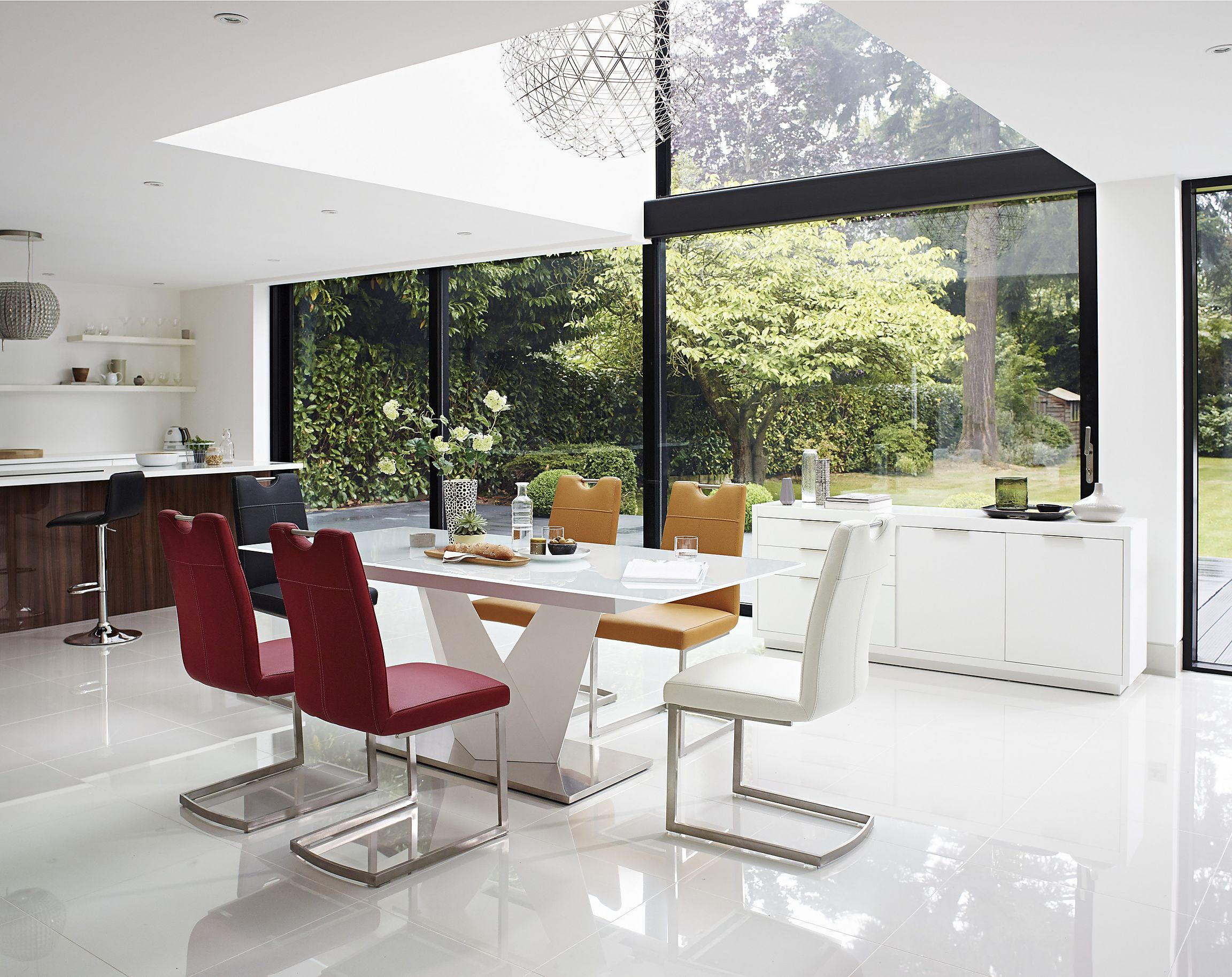 163 995 Table Extends To Seat 8 Striking High Gloss Extending Dining Table Beautiful White Tempe