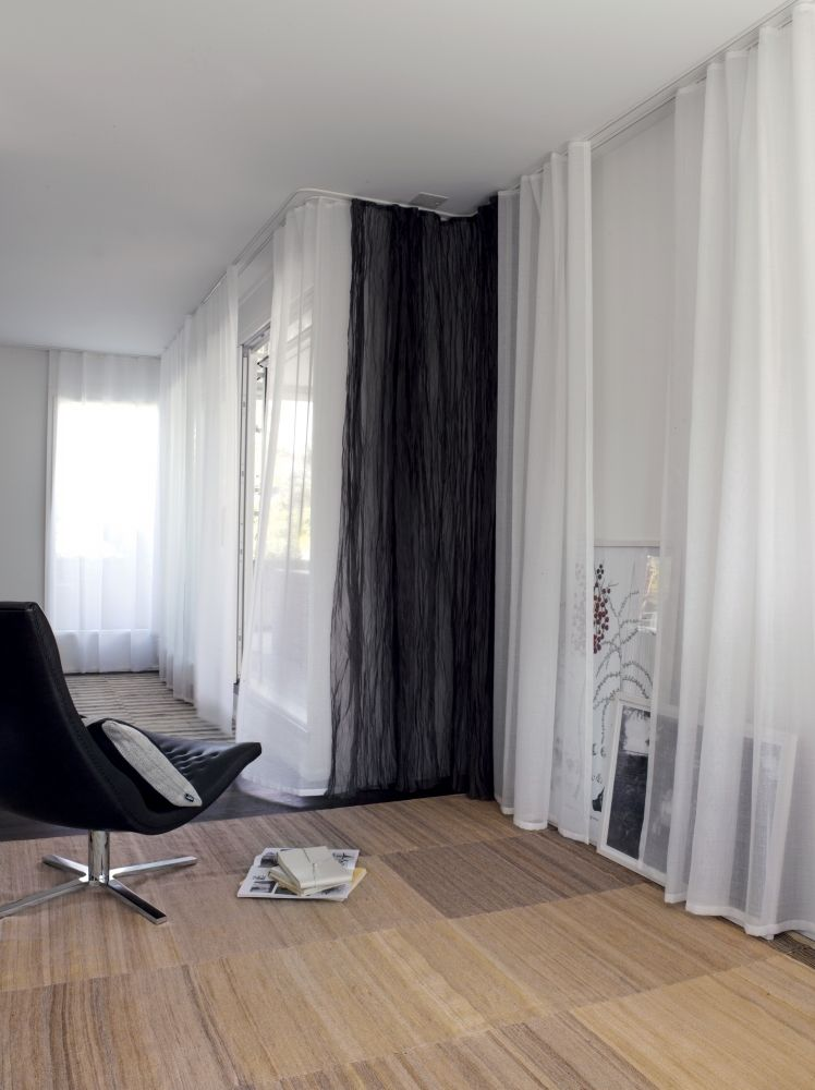curtains made to measure pfister vorhang service time to raise the curtains kleiderschrank. Black Bedroom Furniture Sets. Home Design Ideas