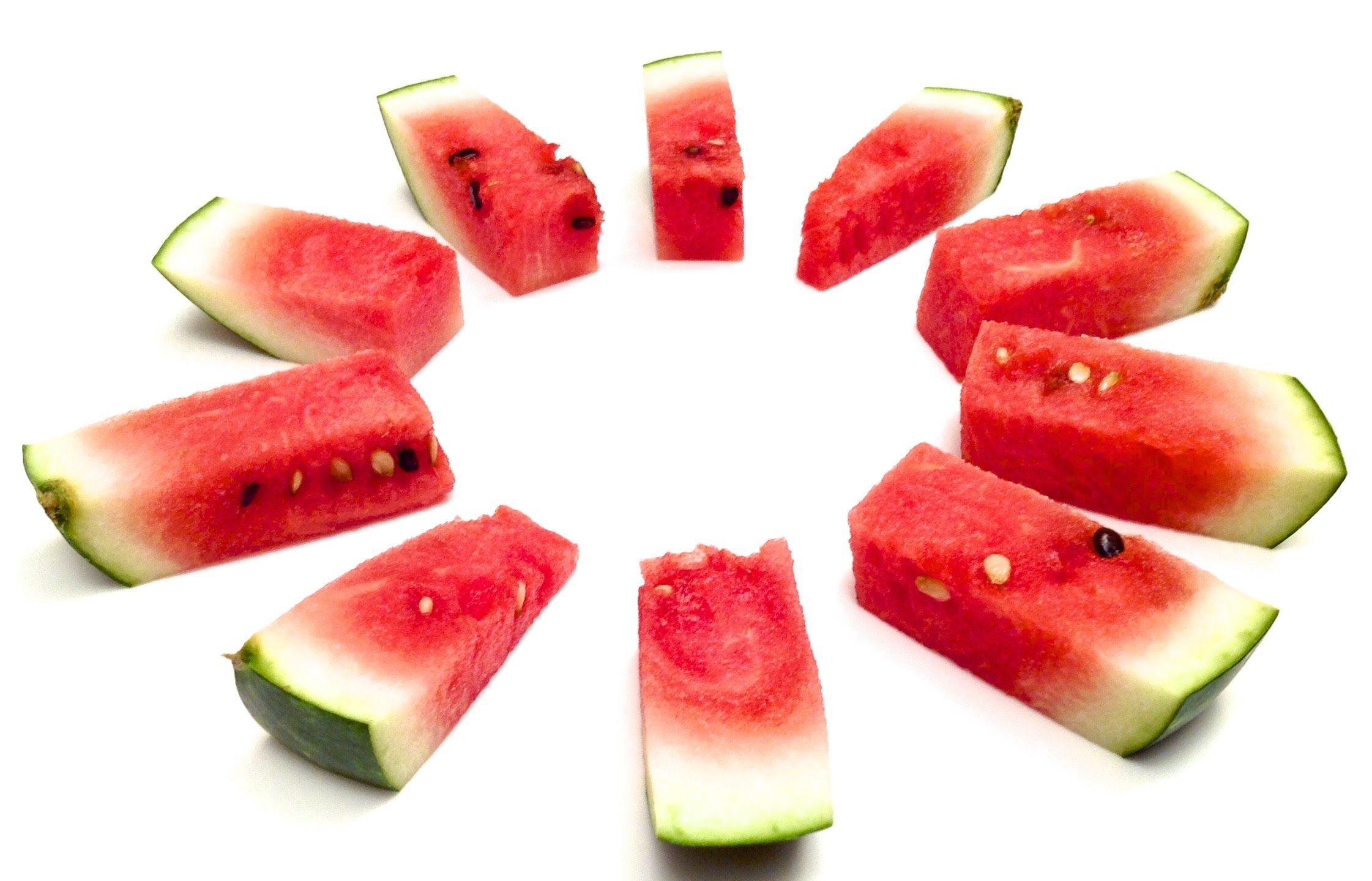 comment couper et servir un melon d 39 eau en 1 minute hd. Black Bedroom Furniture Sets. Home Design Ideas