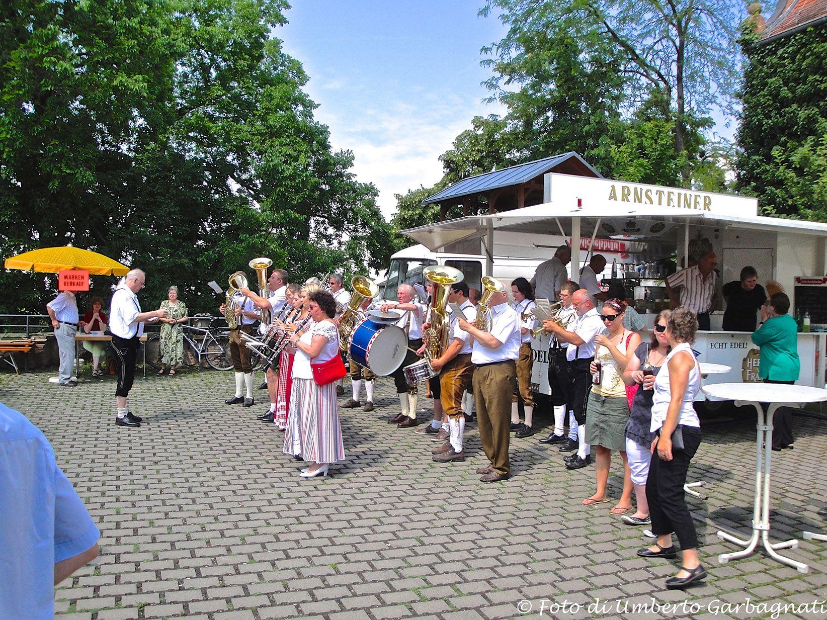 ....festa della Parrocchia con orchestra popolare - Aschaffenburg (D) - 05 lug 2009 - © Umberto Garbagnati -