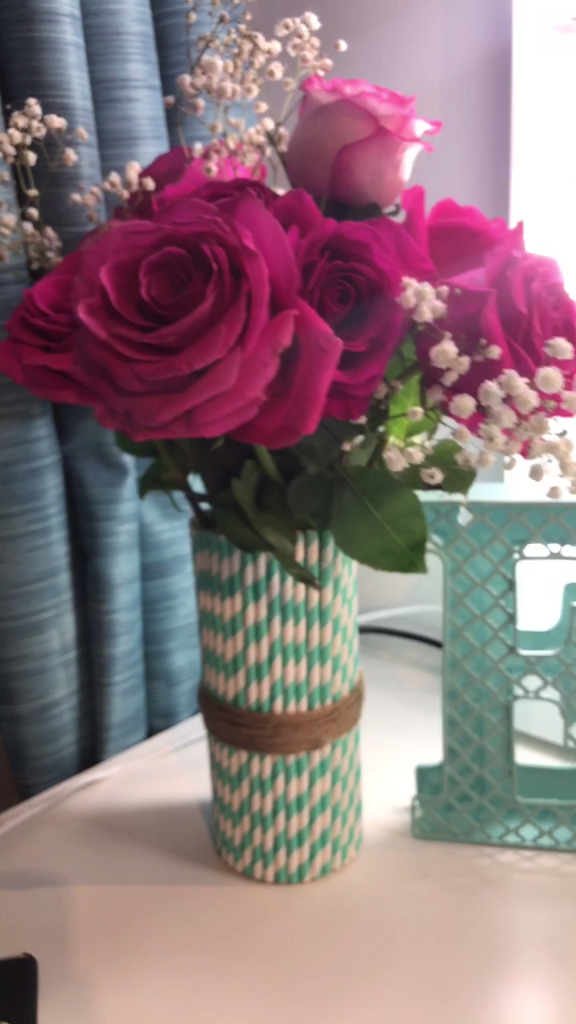 diy straw vase crafts pinterest anniversaire maman id e d co anniversaire et deco. Black Bedroom Furniture Sets. Home Design Ideas