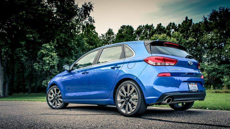 2018 Hyundai Elantra GT Hot(ish) hatch is seriously well