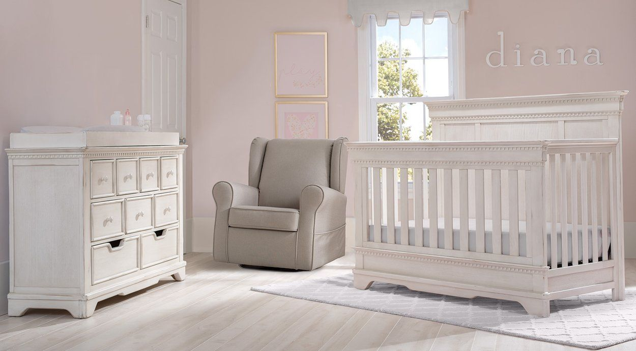 Bailey Collection In Antique White