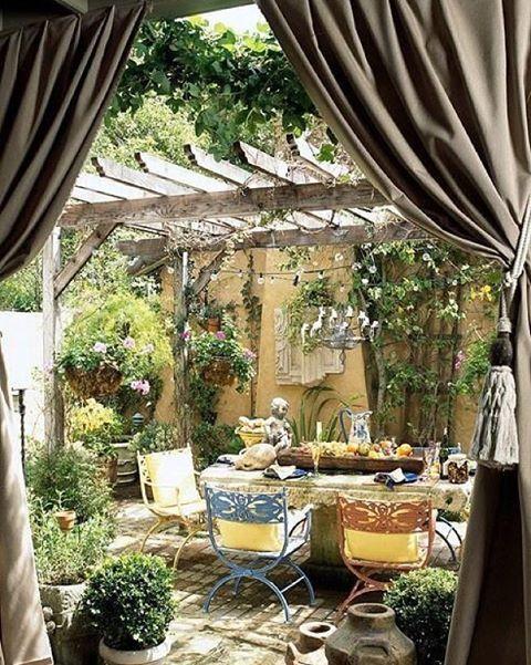 #love #summer #bohemian #green #garden #greengarden #vintage #cozy #candels #dinner#decoration #deco #inspo #instagood #inspiration #tabel #tabelware #tradgardsinspo