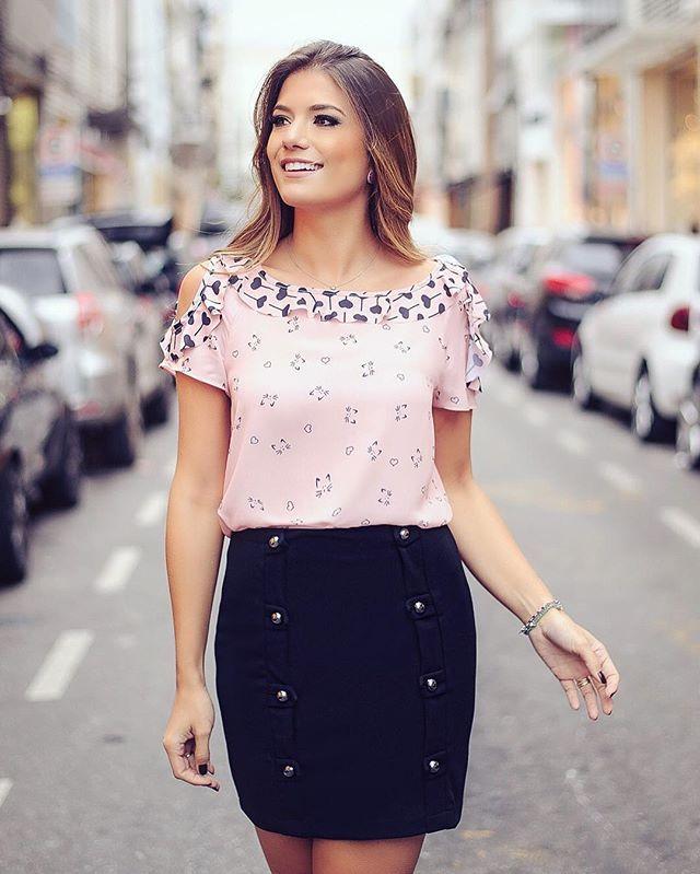 980be94ee {Preto e Rose by @donnaritzoficial} Blusa estampada de gatinho e coração  com saia de botões! #donnaritz6anos #blogtrendalert