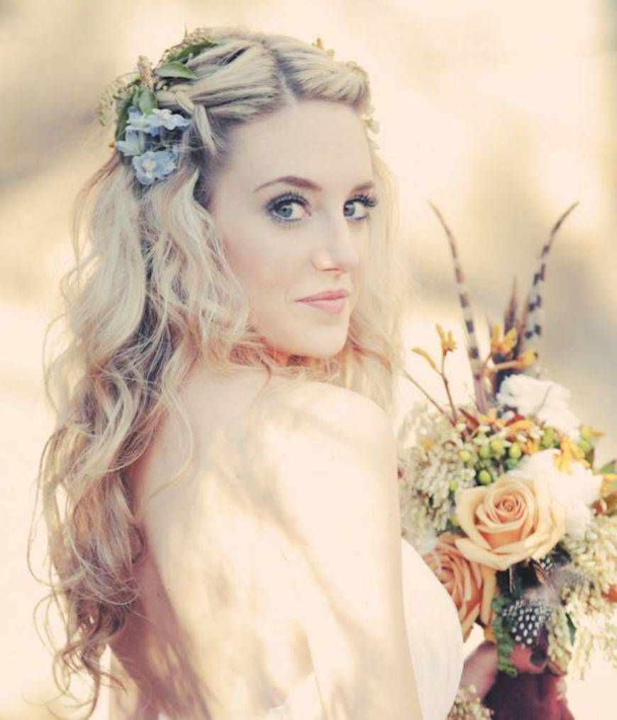 Boho Bridal Hairstyles For Carefree Bride: Bohemian Wedding Hairstyles For Long Hair #happyeverafter