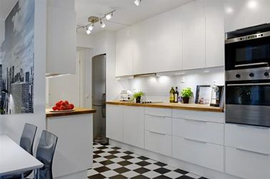 Meubles De Cuisine Blanc Carrelage Damier Noir Et Blanc Couleur - Peinture carreaux cuisine pour idees de deco de cuisine