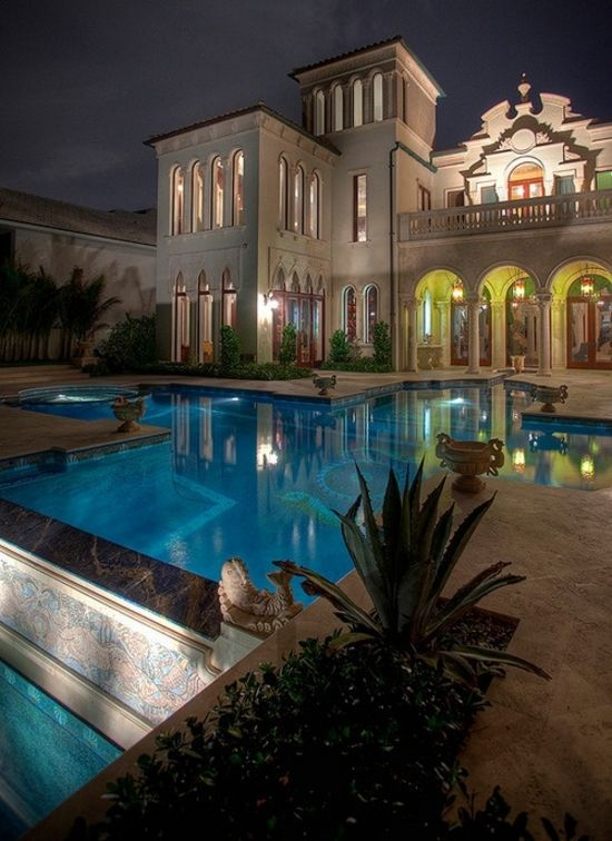 tn_Posted On Shock Mansion (41)