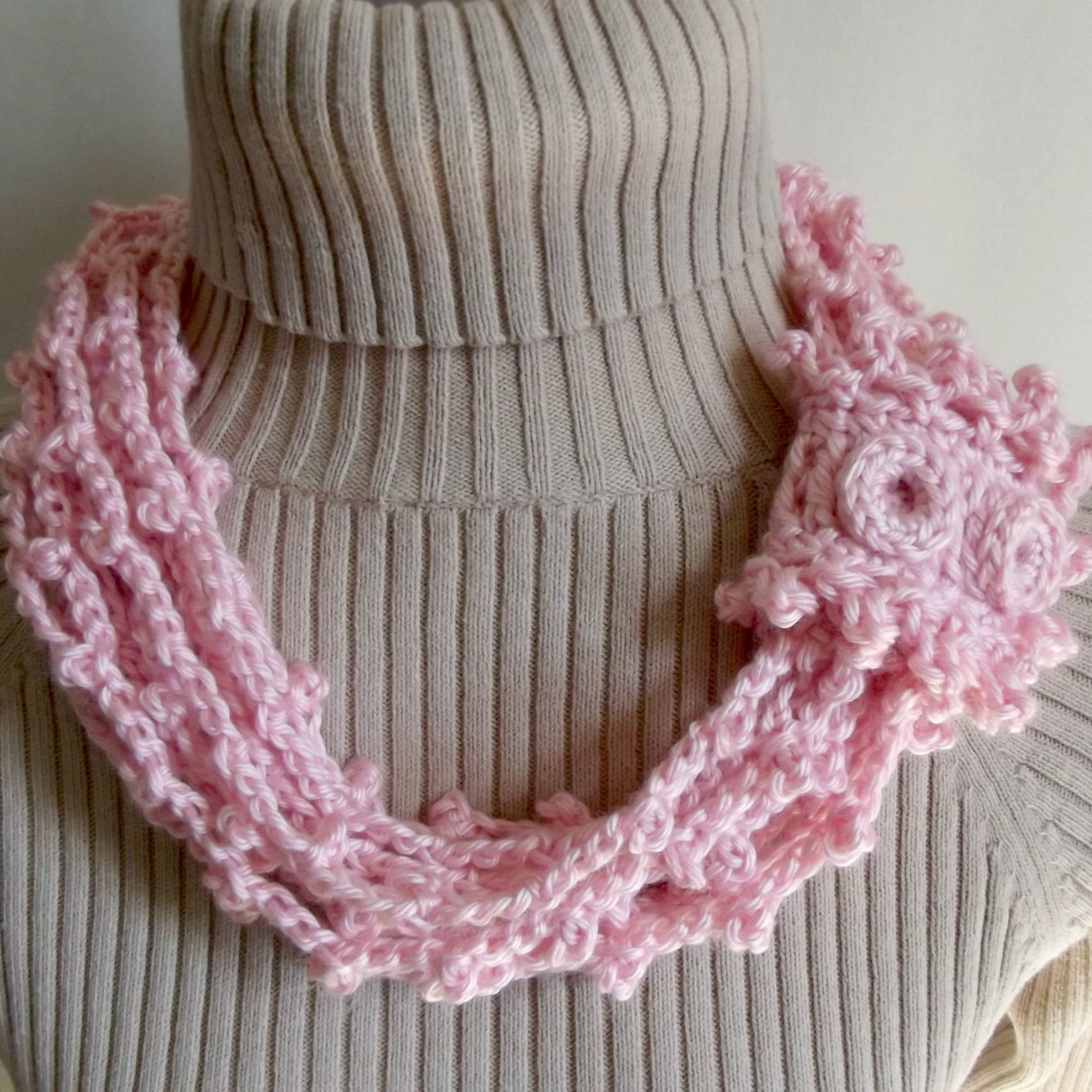 Chained Picots Cowl with Wrap | DAUGHTER IDEAS | Pinterest