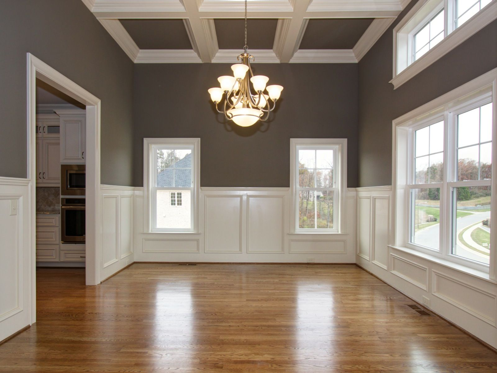 Good Chair Rail 9 Ft Ceiling Part - 12: These 9ft Ceilings Will Really Make You Work Up An Appetite For A New Home!