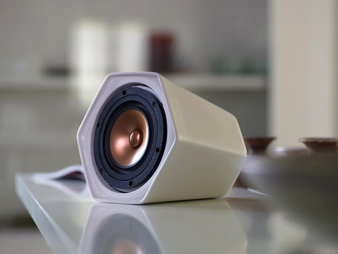 Cool Speakers cool ui, crazy price tag: unmonday's $1,000 portable speaker