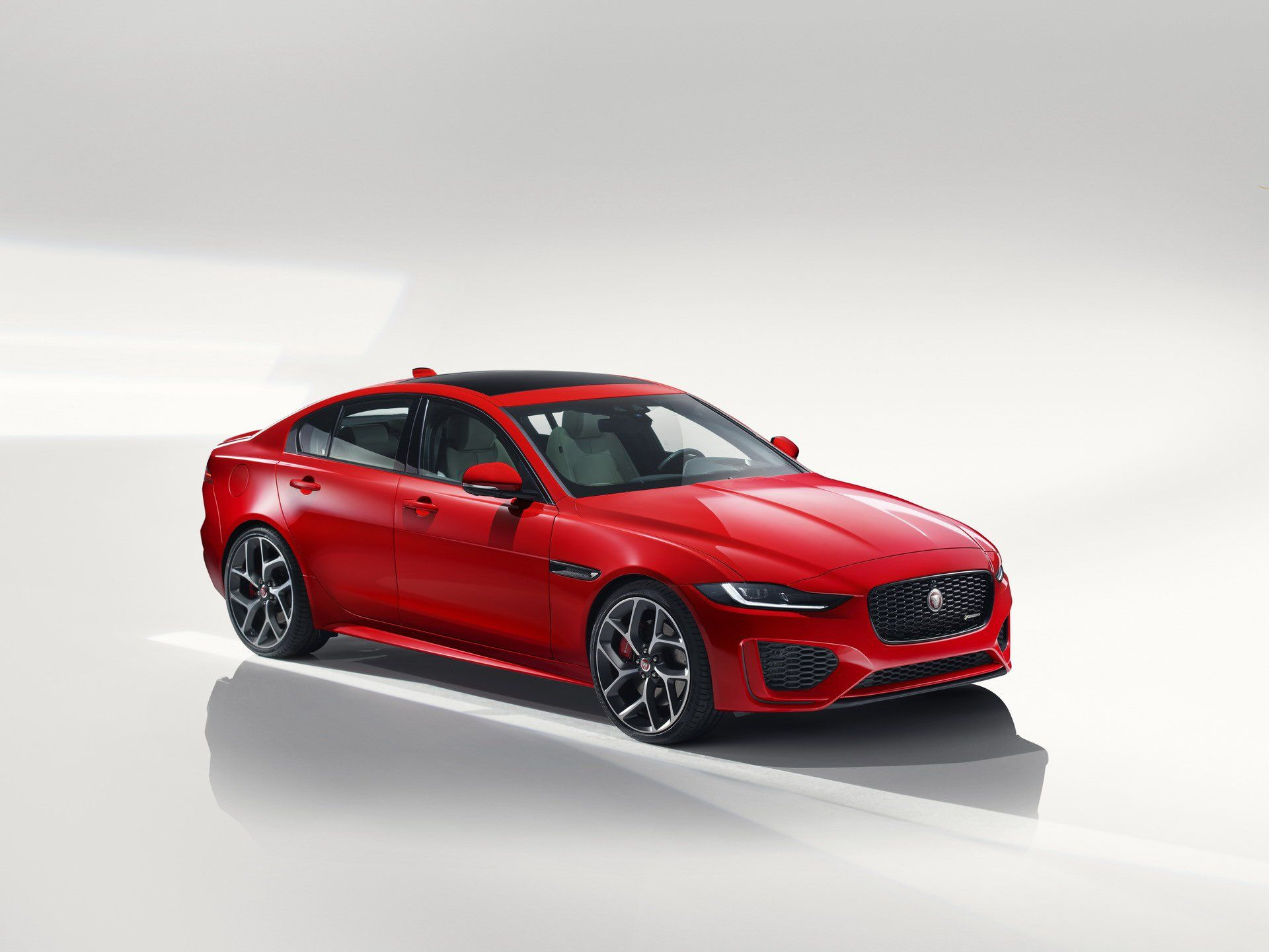 Jaguar Xe S Awd 2020 Price In Dubai Uae Features And Specs Ccarprice Uae