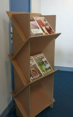 pr sentoir livres en carton pinterest cart n muebles de cart n y. Black Bedroom Furniture Sets. Home Design Ideas