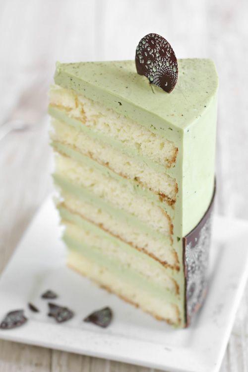 Matcha-Almond Layer Cake with Meringue Mushrooms. #food #green_tea #cakes