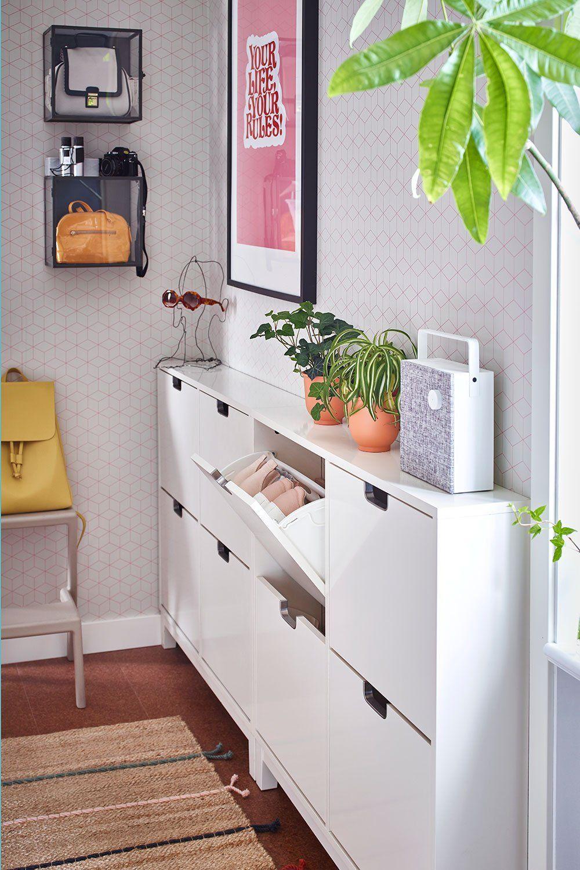 Entree Couloir 15 Idees Deco Pour Lui Donner Du Caractere En 2020 Petit Meuble Rangement Meuble Rangement Ikea Meuble Chaussure Entree