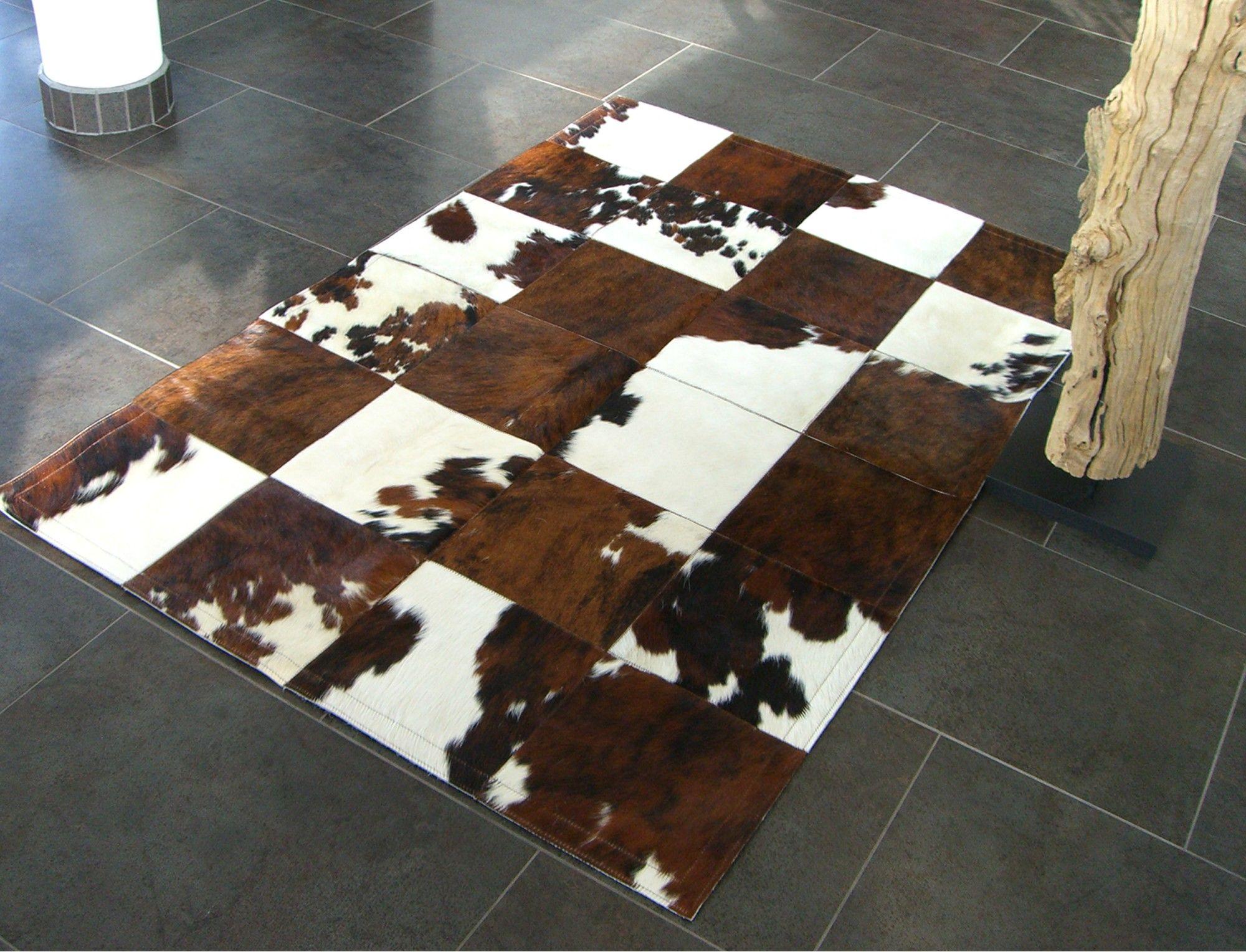 tapis patchwork en peau de vache normande design pinterest tapis patchwork peau de vache. Black Bedroom Furniture Sets. Home Design Ideas