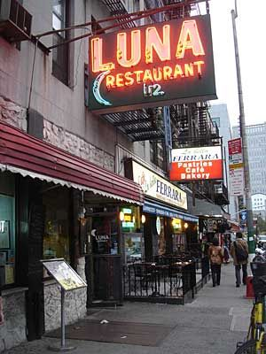 Luna S In Little Italy New York City Good Memories From My 20 We Used To Go This Place At 1 00 Am For A Full Dinner After Carousing