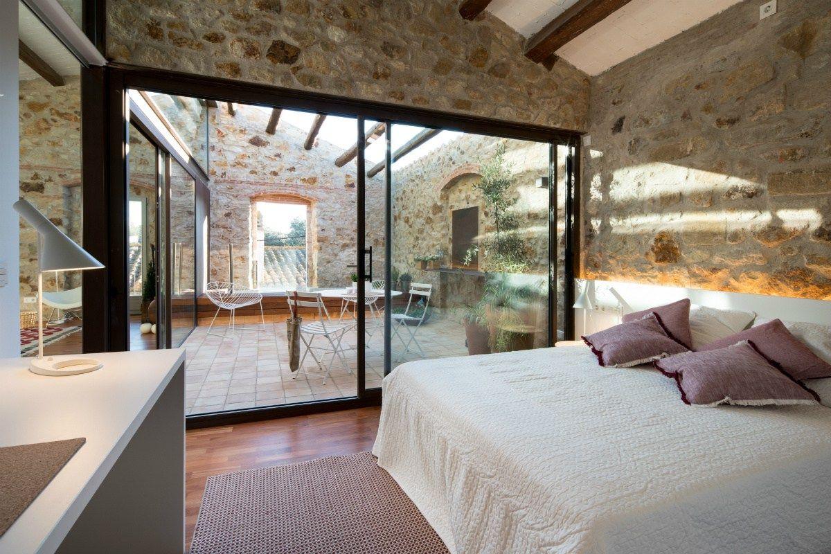 Vacaciones en la casa del pueblo estilo r stico moderno for Fachadas de casas estilo rustico moderno