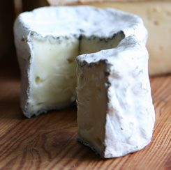Green Dirt Farms Dirt Lover is styled after classic ash-dusted French farmhouse cheeses like Selles-sur-Cher and Valençay.