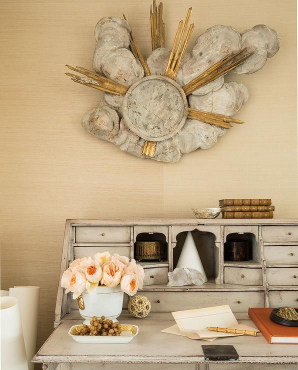 Gold and Grey Accents on Office Desk   Benjamin Dhong