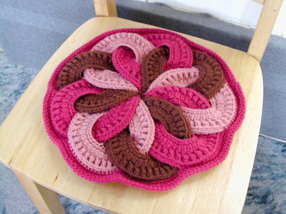 Nine ring interwoven crochet floor cushion | Crochet floor cushion ...