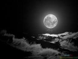 من معلقة امرئ القيس وليل كموج البحر أرخى سدوله علي بأنواع الهموم ليبتلي ف ق ل ت Moon Sea Moon Beautiful Moon