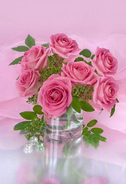 this is a beautiful pink rose wedding centerpiece of wholesale wedding flowers bunches direct creates