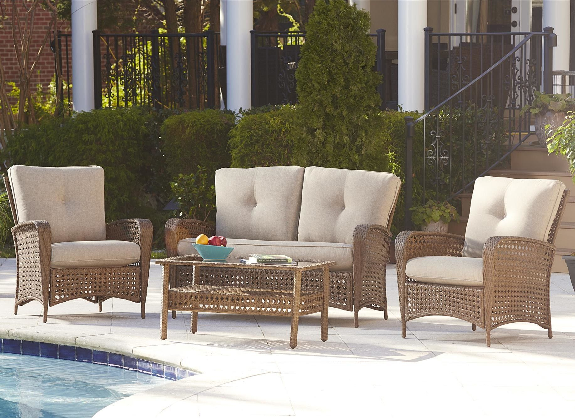 Marathon Conversation 4 Piece Seating Group With Cushions