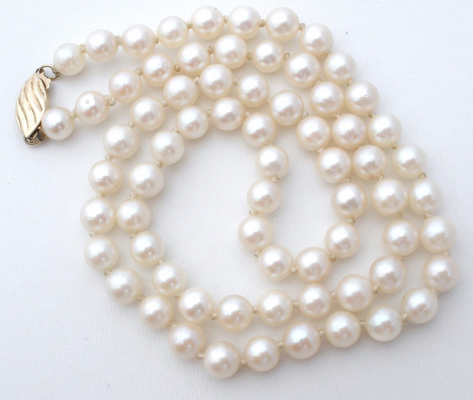 a4493f8cb3f913 Genuine Pearl Necklace 14K Gold Clasp Hand Knotted Strand 17
