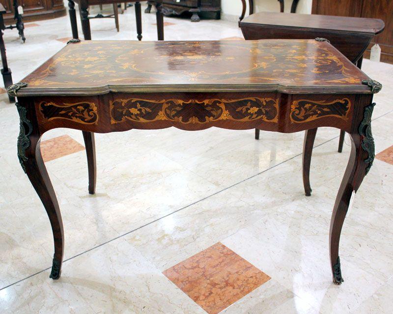 Tavolo Intarsiato ~ Scrittoio in legno di palissandro con un cassetto nella fascia e