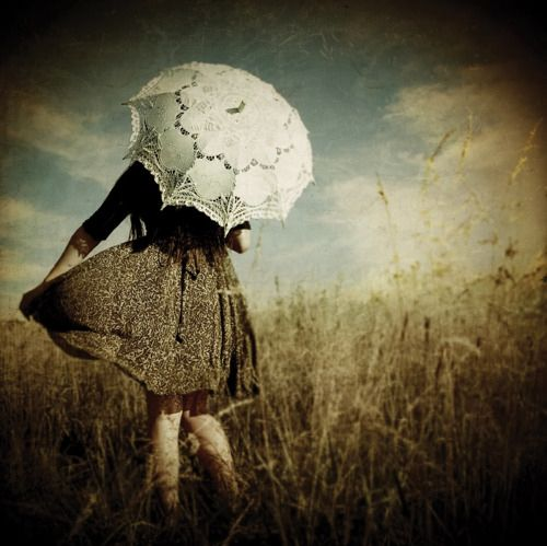 vintage umbrella images | big, girl, umbrella, vintage - inspiring picture on Favim.com | We ...