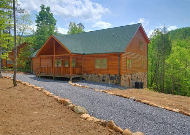 COSBY Cabin Rental - MAJESTIC WATERS #575 - 5 Bedroom ...
