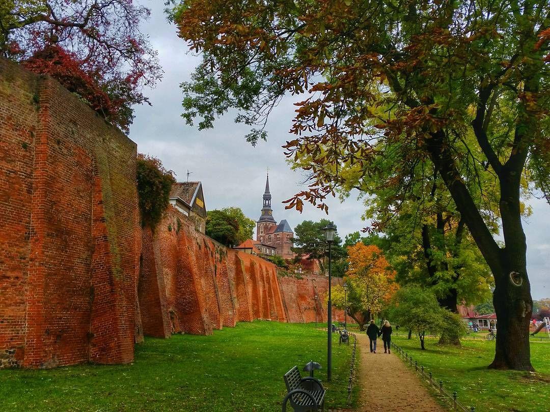 Tangermünde - Stadtmauer und Stephanskirche