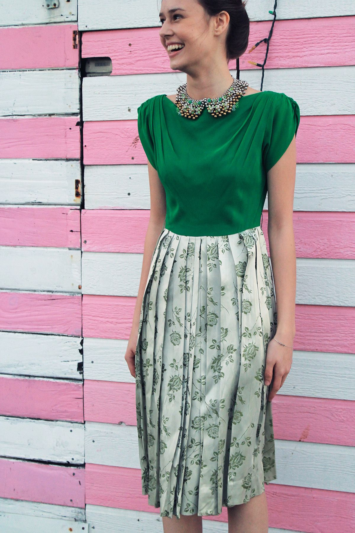 Kelly green and floral vintage dress. Classy!