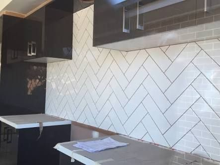 Herringbone Tile Splashback Google Search Herringbone Tile Pattern Herringbone Tile Kitchen Design