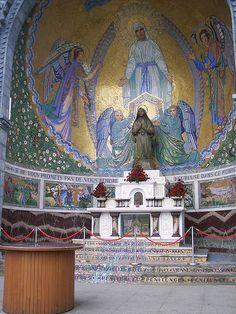 Altar Of St Bernadette Lourdes France Bernadette Lourdes Ilustración Religiosa Lourdes Francia