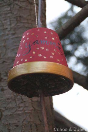 Basteln mit Kleinkindern in Herbst und Winter - Vogelfutter selber machen