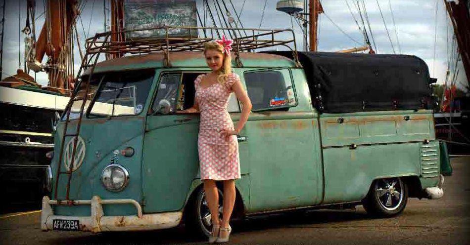 Vw Slammed Crew Cab And The Doll Volkswagen Bus Girl Vw Van