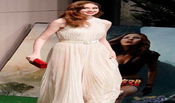 النجمة كارين جيلان تبدو مثيرة في فستان أنيق Formal Dresses Fashion Prom Dresses