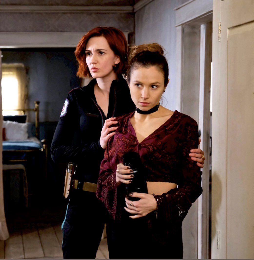 Wynonna Earp Syfy Nicole Haught And Waverly Earp Waverly And Nicole Dominique Provost Chalkley Waverly Earp Waverly's childhood crush, nicole, is back in town just in time to distract her from the local baking competition she's desperate to win. wynonna earp syfy nicole haught and