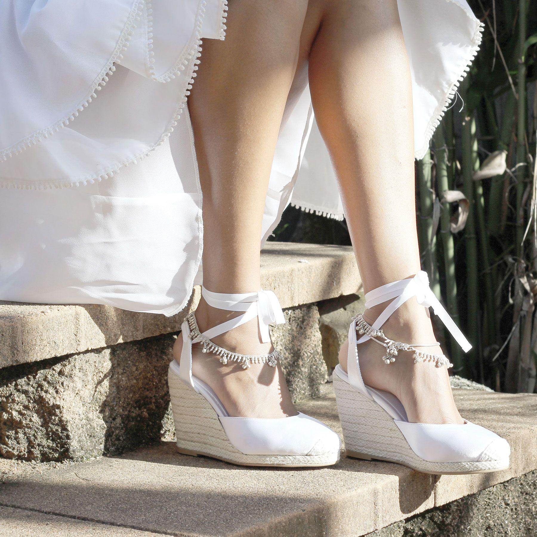 Vintage wedding shoes. 70\'s beach bride. Our ceremony espadrilles ...