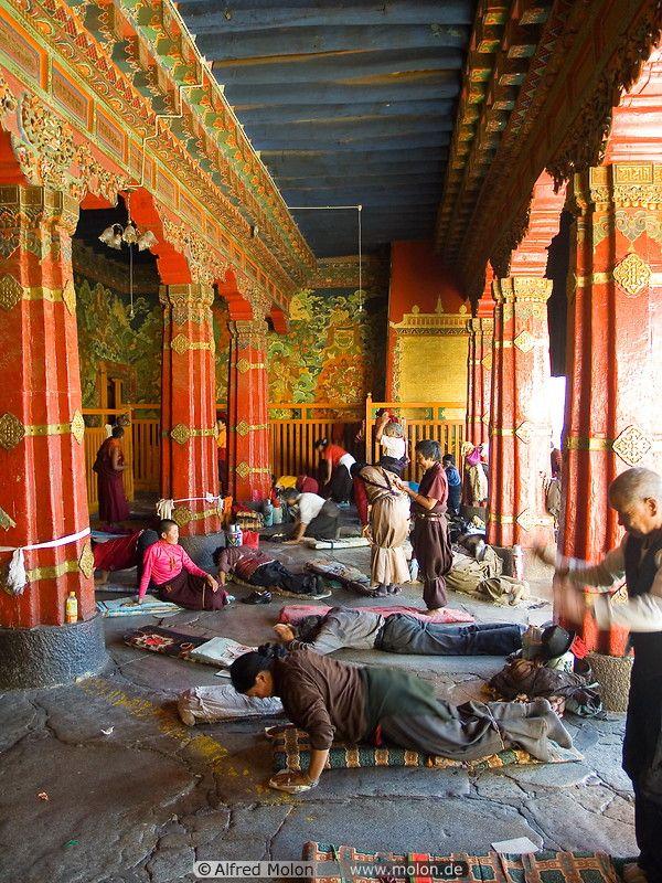 Pilgrims praying in the Jokhang Buddhist temple
