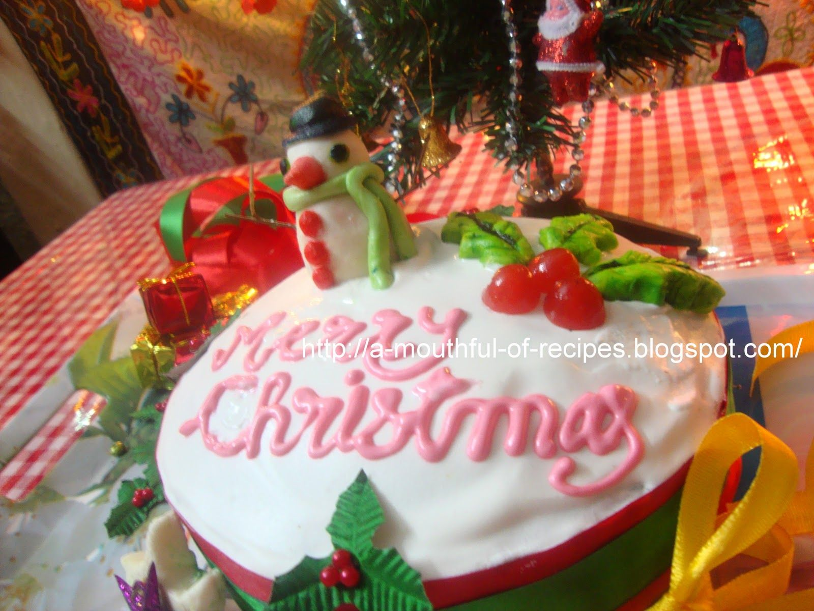 A Mouthful Of Recipes: Christmas Cake with Royal Icing : Celebrating Christmas